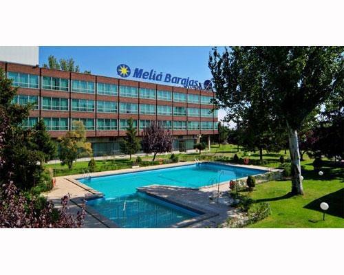 Los mejores hoteles con piscina en madrid milota for Hoteles sevilla con piscina